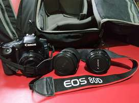 Kamera DSLR Canon EOS 80D mulus dan murah