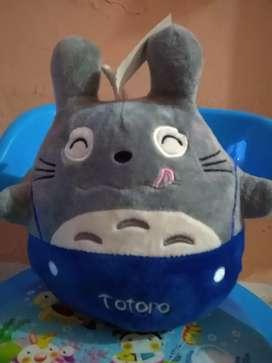Boneka totoro biru