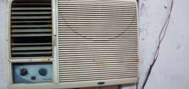 Carrier ac in good condition on ac full cooling ac