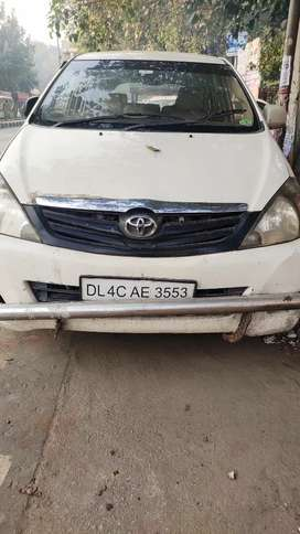 Toyota Innova 2006 Petrol 83000 Km Driven with cng fitted