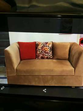 Hello,selling this sofa sets golden color after 1 month