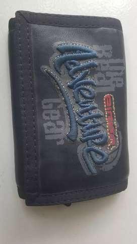 Di jual dompet asli original merk EIGER kondisi masih bagus dan cakep
