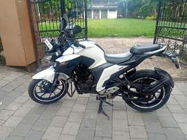 Yamaha Fz 250cc White 2017 Only 13500Kms For Just Rs 98000/-