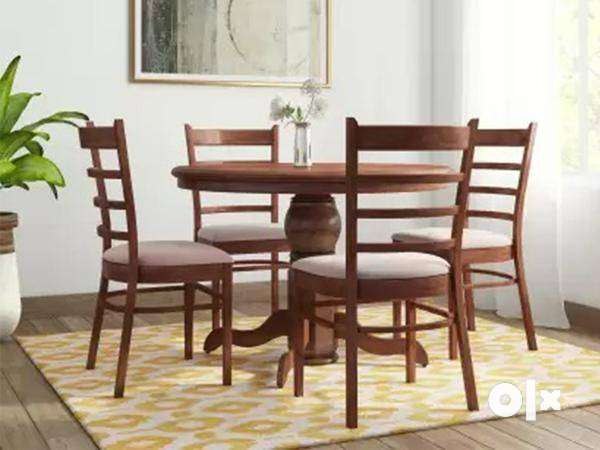 Branded Dining Set by Urban Ladder, Royal oak