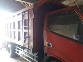 Dijual Dump truk 2012 barang bagus