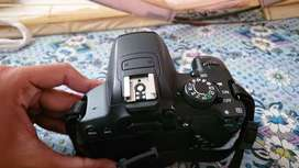 Canon 700d 10/10 only Body