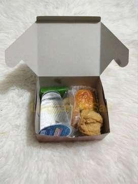 Snack box murah Enak Di jamin tidak mengecewakan