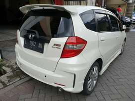 HONDA JAZZ 1.5 RS MATIC AT JASS PUTIH