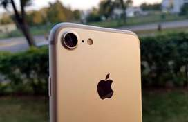 i phone 7    /128 golden With box