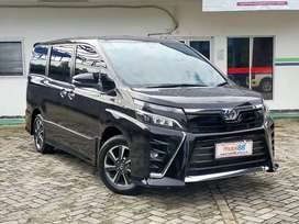 Toyota Voxy AT 2018 Bergaransi