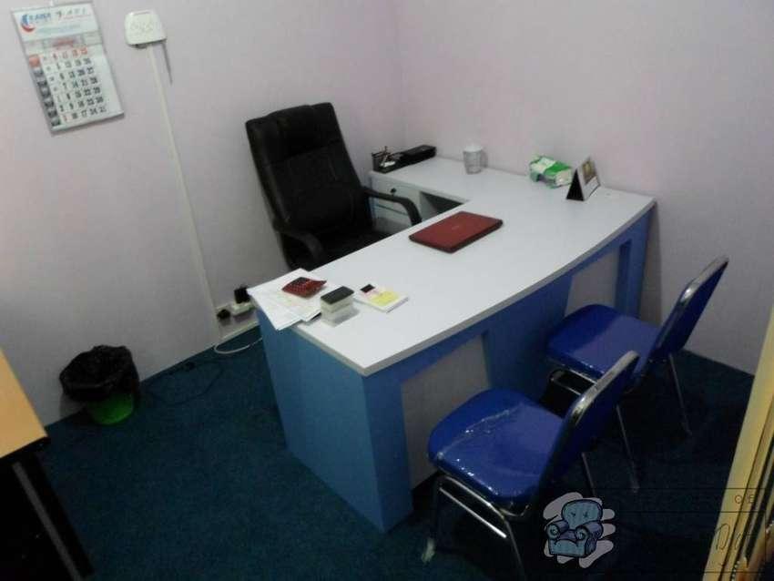 Meja Kantor Direktur ( Furniture Semarang )