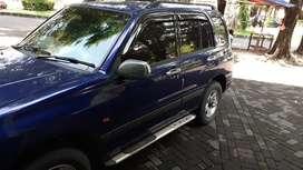 Suzuki Escudo 1.6 tahun 2003