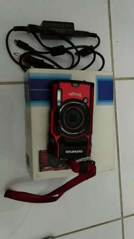 OLYMPUS TG 5 LIKE NEW (underwater camera)
