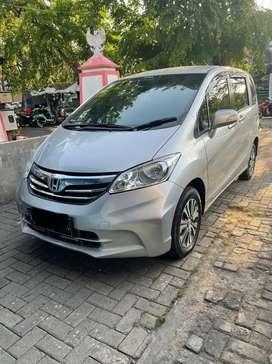Honda Freed  sd warna silver pemakain pribadi