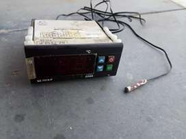 Electronics Temperature sensor and controller.