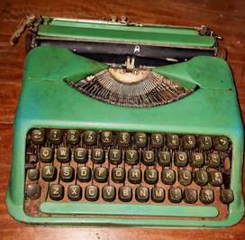 Antique Portable Mini Typewriter with carry case