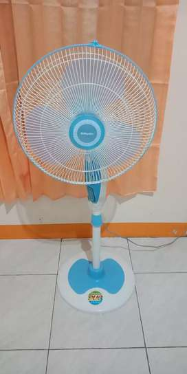 Kipas Angin Miyako Standing Fan Bekas