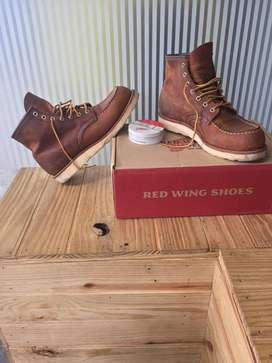 Red wings shoes 8876