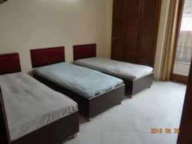 No brokage male pg fully furnished 6500 link road mind space Malad w