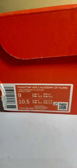 Sepatu Bola Nike Phantom