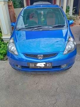 Dijual cepat Honda jazz 2006 warna biru metalik