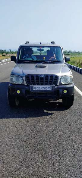 Scorpio crde 9 ceater fully loaded car
