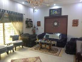 1 KANAL USED HOUSE FOR SALE IN SECTOR D BLOCK BAHRIA TOWN LAHORE.