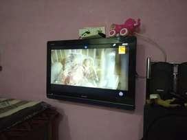 Sharp LCD 32 inch tv