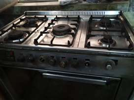 Cooking range 5 burner chola