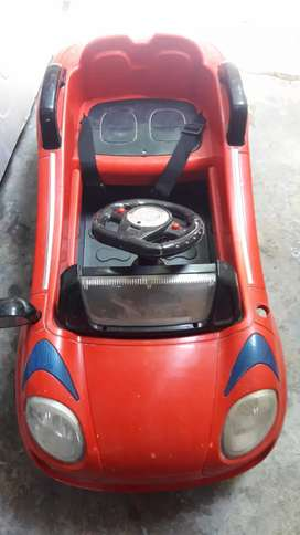 Driving car for children of 2 to 5 years