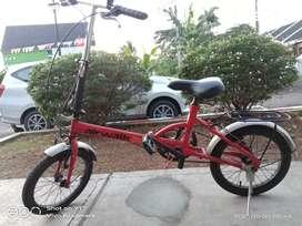 Sepeda lipat Lok Cileduk karang Tengah