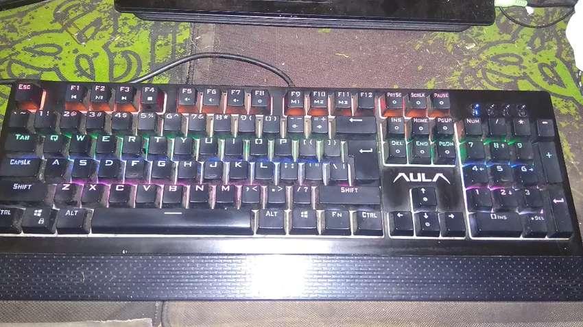 Keyboard Mechanical Merk AULA 0