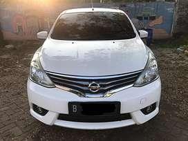 Nissan Grand Livina SV AT thn 2014 warna putih