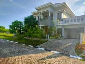 Disewakan rumah mewah beserta isinya