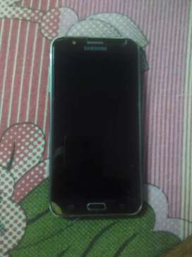 Samsung galaxy j7 smart phone