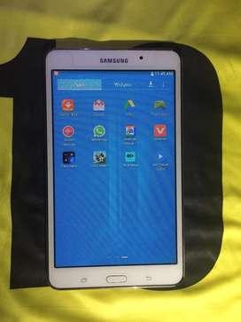 SAMSUNG Wifi TAB 4 WHITE ( urgent sale )