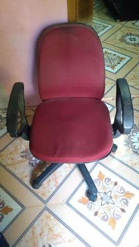 Sponge chair rolling