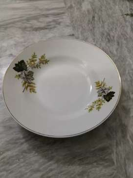 Dinner set Pakpor china original 32 pieces just as new fixed price