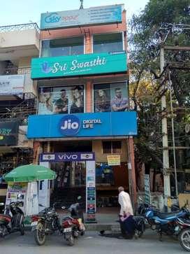 700sqft Shop for Rent