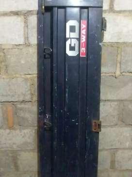 pintu belakang panter