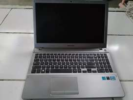 (Butuh Uang ) Laptop Samsung i5 (NP510R53)(Nego)