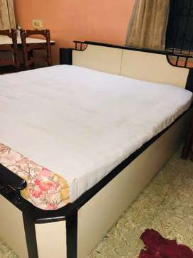 Queen size double bed for sale
