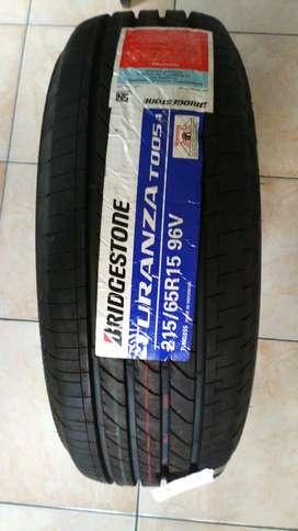 Ban Mobil Trajet Carnival Peugeot Bridgestone Turanza T005A 215/65 R15