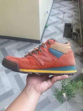 Sepatu newbalance 710