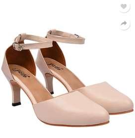 Women Beige Heel Sandal