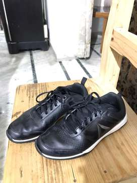 REEBOK Black Leather Shoes *IN EXCELLENT CONDITION*