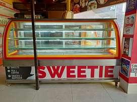 Sweet display counter, freezer
