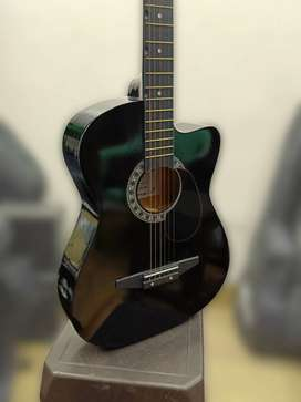 Guitar classes and acoustic guitar combo package for beginners