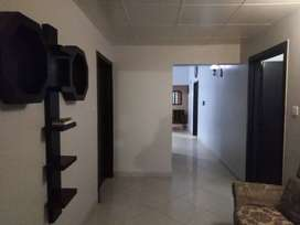 4 bed Apartment is Available for rent in Nishat Commercial