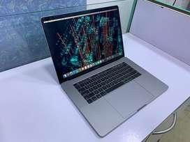"JustMac-Apple MacBook TouchBar 15"" Warranty 16 GB/256 GB/Core i7 2018"